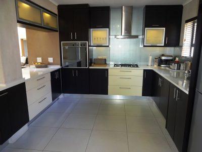 BLAND Kitchen